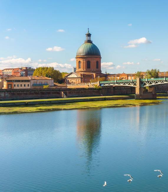 Vue sur la Garonne et le dôme de la Grave