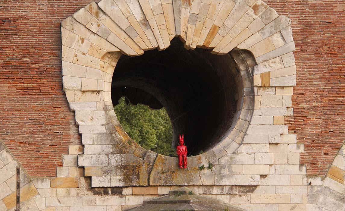 Toulouse oeuvre de James Colomina, Le garçon au bonnet d'âne