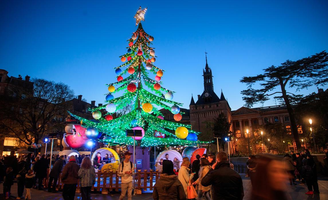 Le manège sapin de Noël à Toulouse