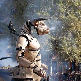 Le Minotaure dans le spectacle le Gardien du Temple